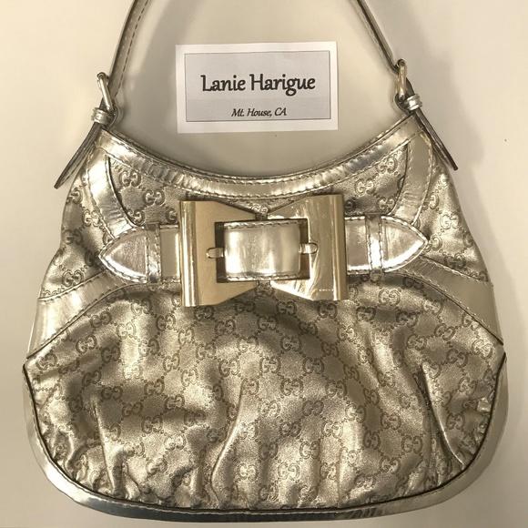 7b2ad76733b Gucci Handbags - Gucci Metallic Gold Guccissima Queen Medium Hobo